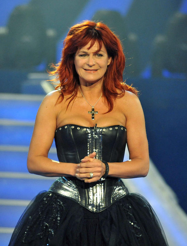 andrea_berg_sexy_out_665.jpg