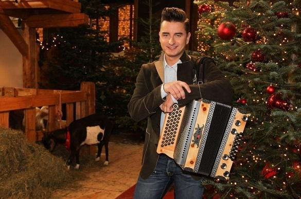 andreas gabalier im weihnachtsinterview. Black Bedroom Furniture Sets. Home Design Ideas